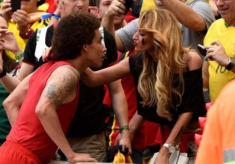 Ban gai sao tuyen Bi khoe than co vu gay soc o Euro 2016 hinh anh 6