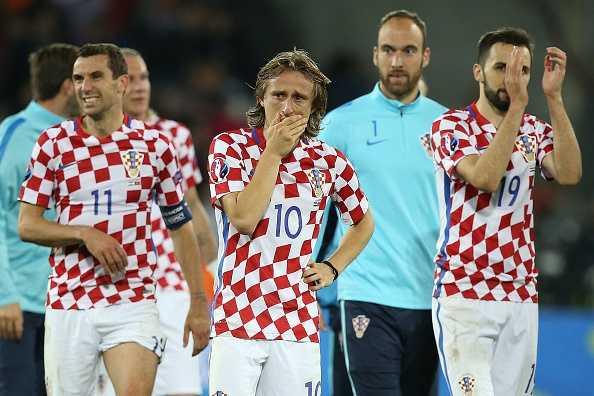 Modric thua tran oa khoc, Ronaldo om nhe vo ve hinh anh 8