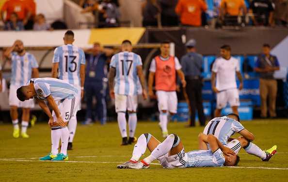 Messi khoc nuc no, buoc toi ban than khien Argentina bai tran hinh anh 7