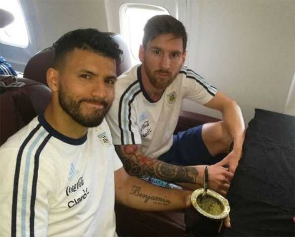Aguero: Nhieu nguoi muon chia tay DTQG giong Messi hinh anh 2