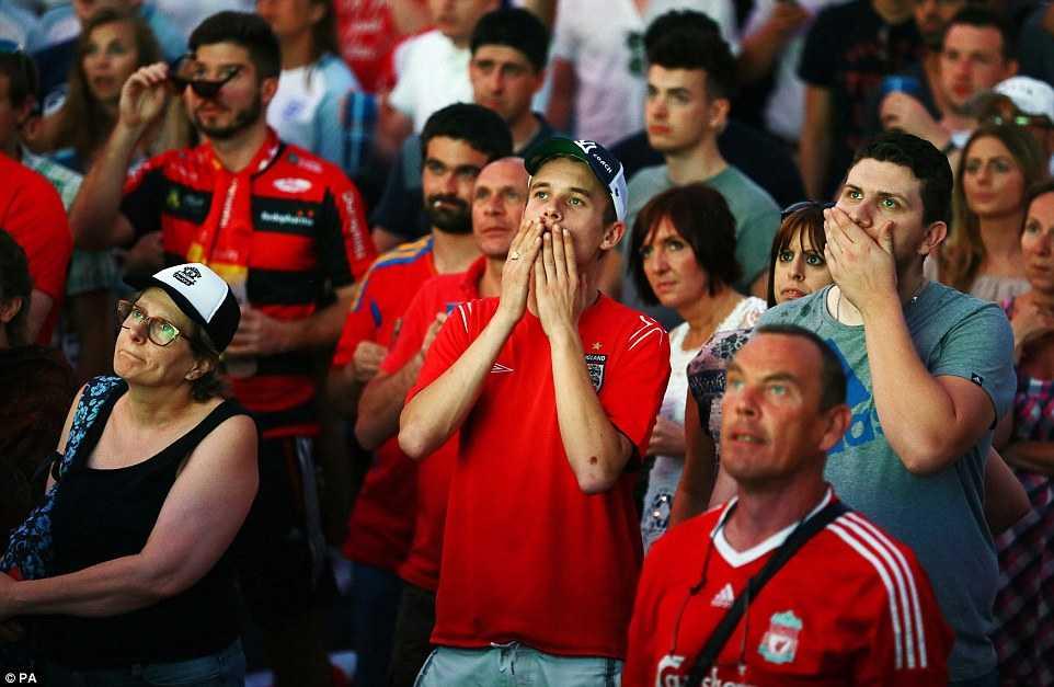Con trai Rooney khoc rung ruc, CDV Anh thay 'bau troi sup do' hinh anh 3