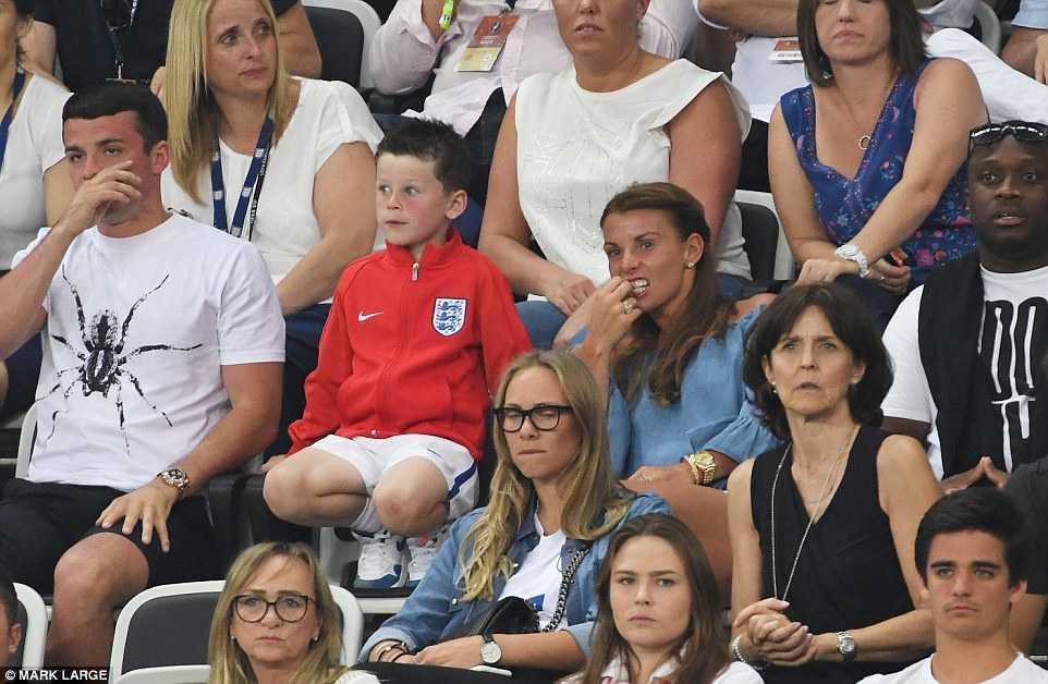 Con trai Rooney khoc rung ruc, CDV Anh thay 'bau troi sup do' hinh anh 2