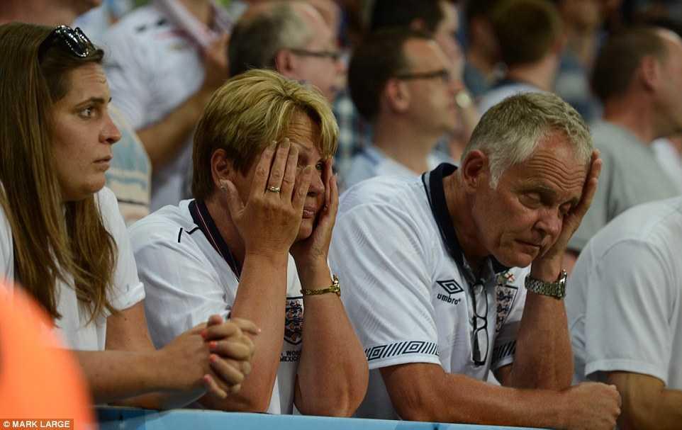 Con trai Rooney khoc rung ruc, CDV Anh thay 'bau troi sup do' hinh anh 11