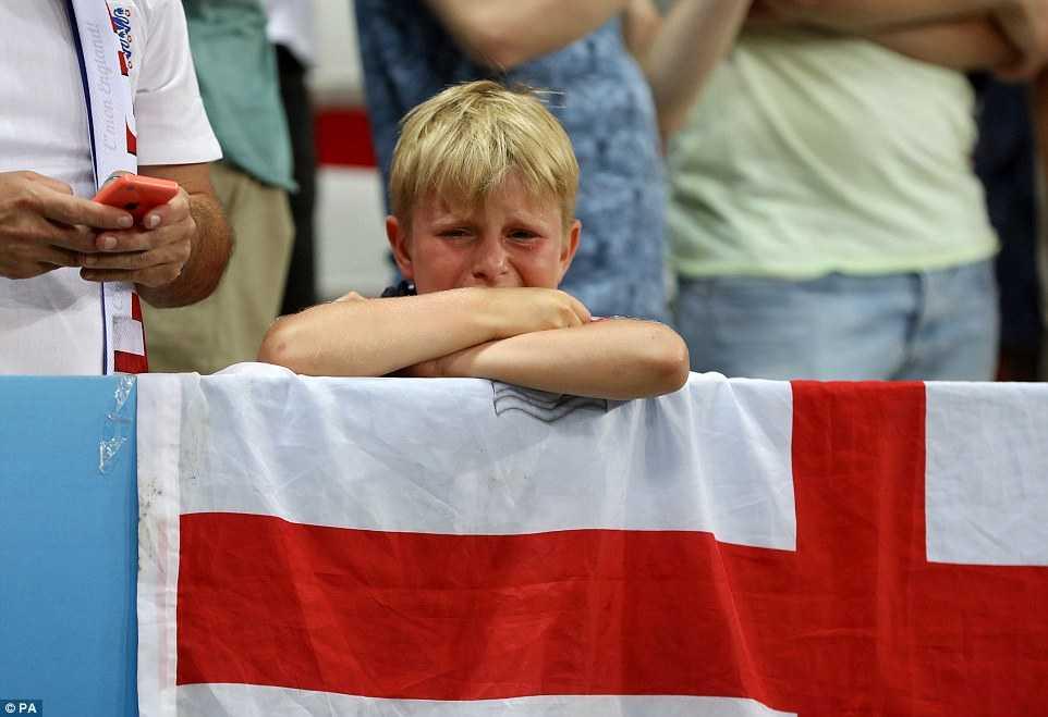 Con trai Rooney khoc rung ruc, CDV Anh thay 'bau troi sup do' hinh anh 7