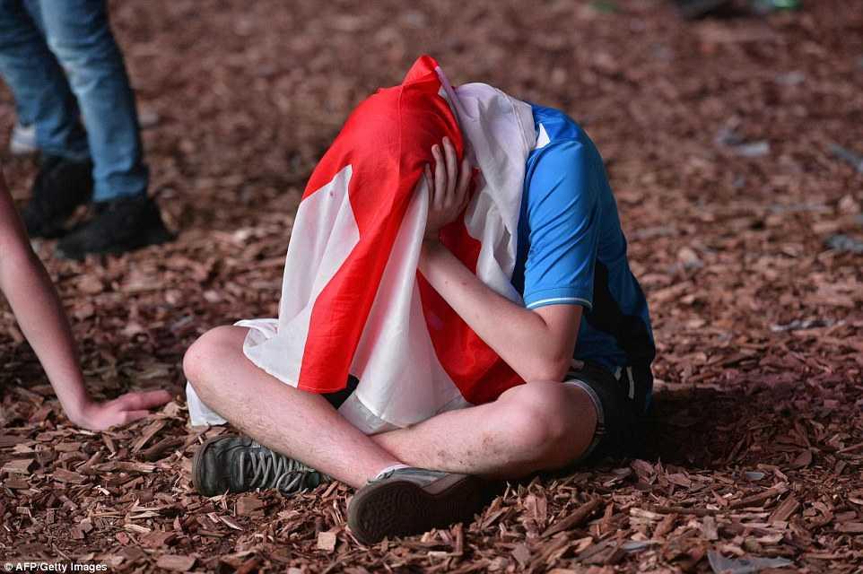 Con trai Rooney khoc rung ruc, CDV Anh thay 'bau troi sup do' hinh anh 8