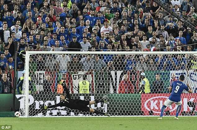 Tien dao Italia e mat vi lua Neuer bat thanh hinh anh 3
