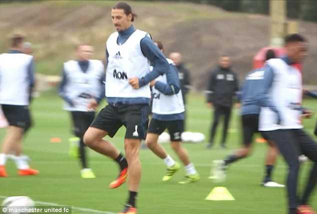 Zlatan Ibrahimovic tap luyen cung dong doi moi, Paul Pogba lai am chi tuong lai hinh anh 5