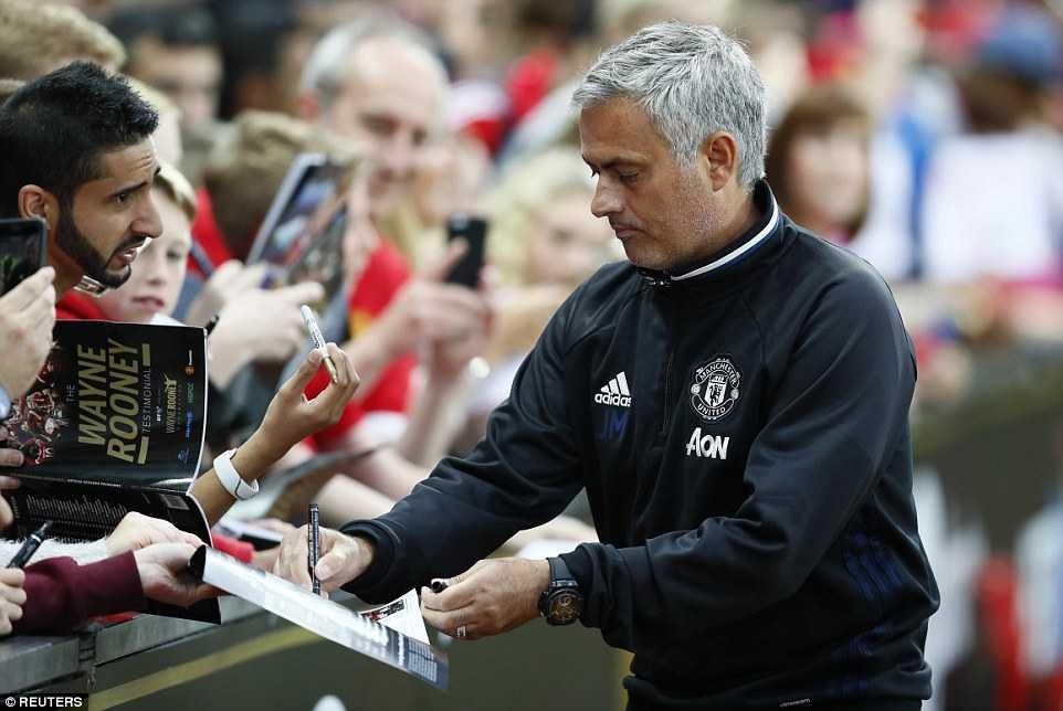 Manchester United hoa te nhat trong tran cau lich su cua Facebook hinh anh 1