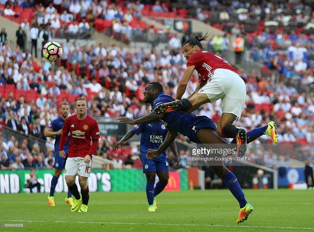 Ibrahimovic lap cong, Man Utd gianh sieu cup Anh hinh anh 4