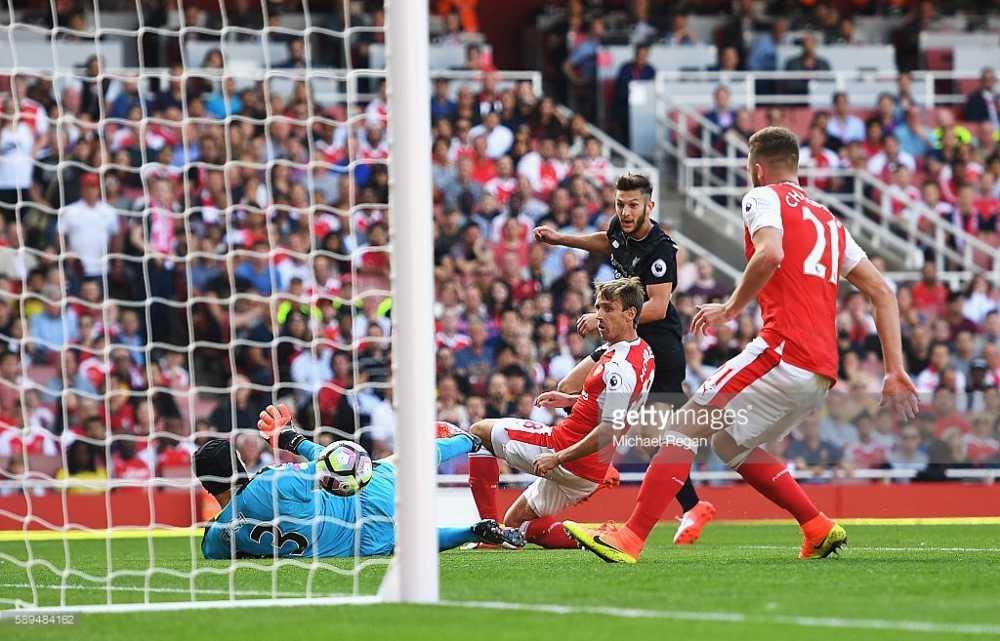 Cong lam thu pha, Arsenal guc nga truoc Liverpool trong con mua ban thang hinh anh 4