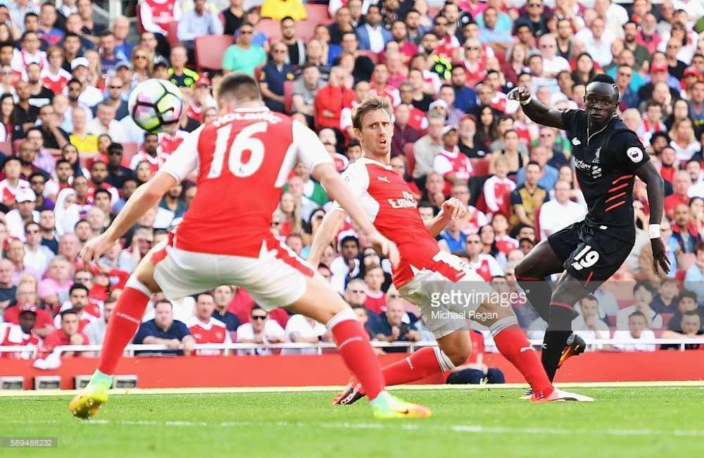 Cong lam thu pha, Arsenal guc nga truoc Liverpool trong con mua ban thang hinh anh 5