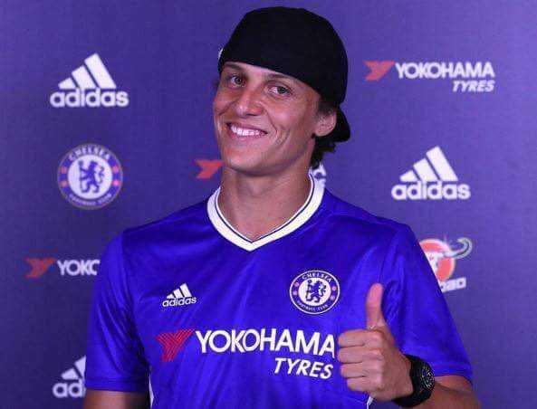 David Luiz tro lai Chelsea: So phan va hoai nghi hinh anh 2