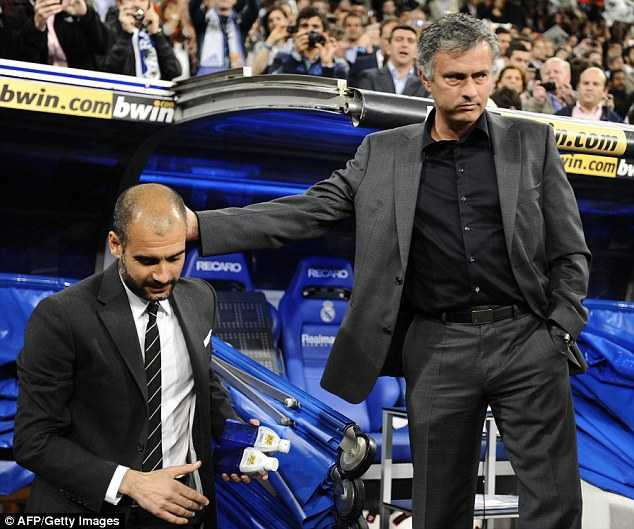 Jose Mourinho vs Pep Guardiola: Tu dong minh den ke thu truyen kiep hinh anh 4