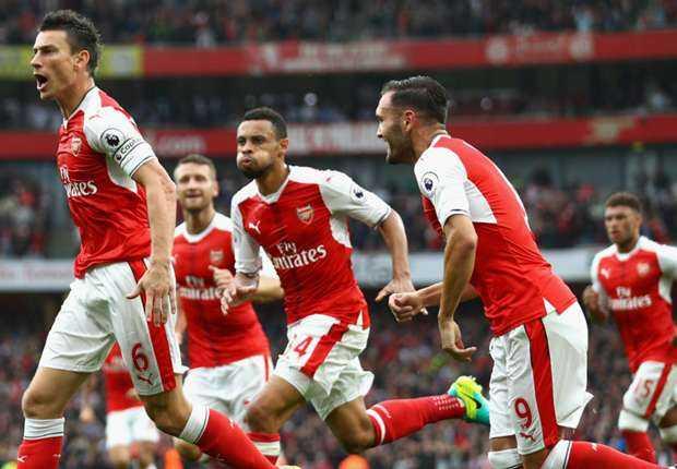 Vong 1 Champions League: Arsenal dai chien, Barca guong day sau that bai gay soc hinh anh 1