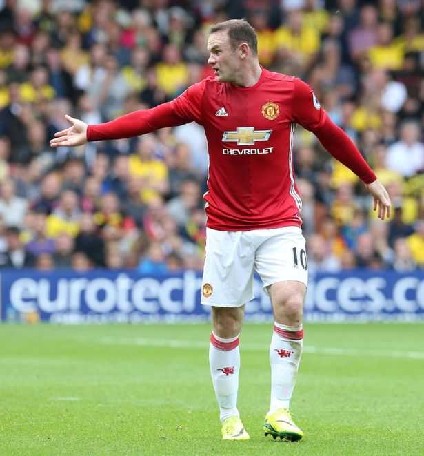 Rooney choi te the nao trong that bai cua Manchester United? hinh anh 4