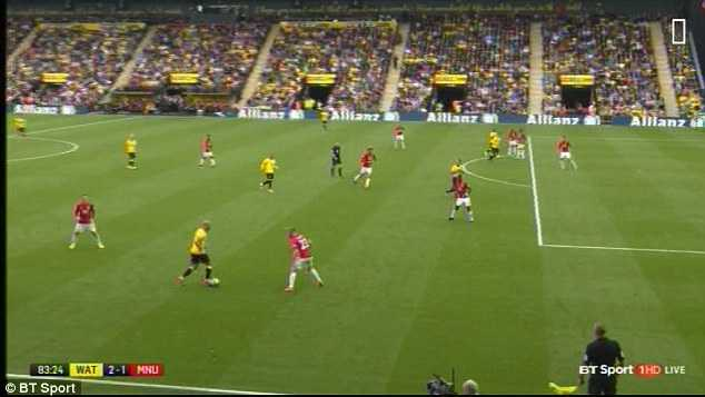 Manchester United khung hoang hang thu: Dung trach minh Luke Shaw hinh anh 2