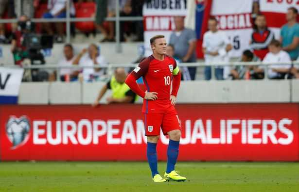 Jose Mourinho canh bao Rooney: Lay lai phong do hoac ngoi du bi hinh anh 3