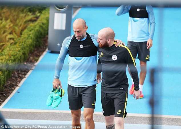 Pep Guardiola: Da tap luyen thi khong dung wifi hinh anh 2