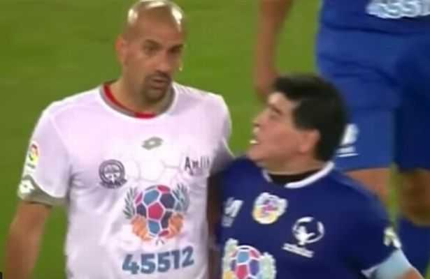 Diego Maradona tinh danh Veron trong tran cau tu thien hinh anh 1