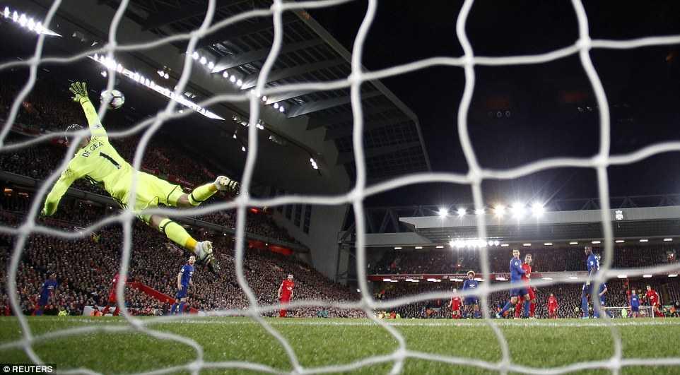 Mourinho thoa man: Man Utd khien Anfield cam lang hinh anh 3