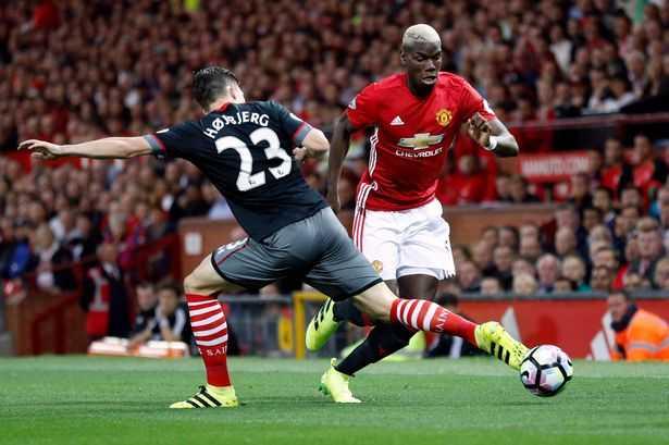 Paul Pogba khoi dau te hai khong ngo o Manchester United hinh anh 2