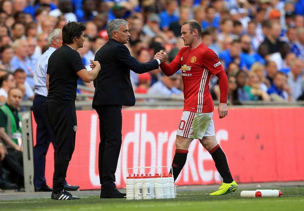 Cau thu Man Utd te den khong ngo khi doi bong sa sut hinh anh 2