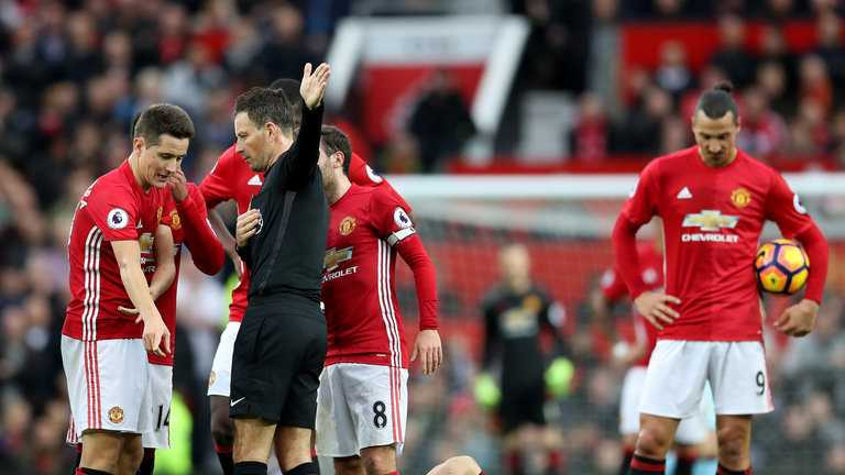 Cau thu Man Utd te den khong ngo khi doi bong sa sut hinh anh 1