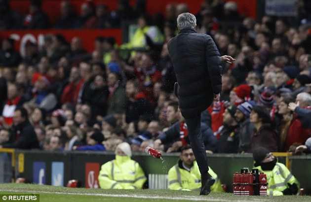 Manchester United: The nao la thieu may man? hinh anh 3