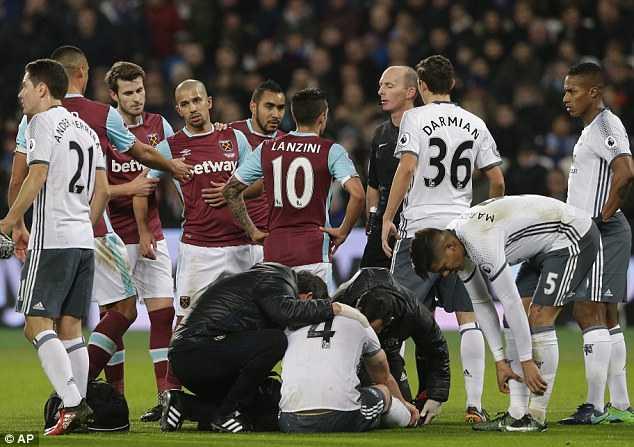 Manchester United co chien thang gay tranh cai ra sao? hinh anh 2