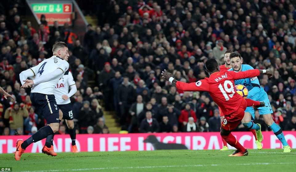 Sadio Mane toa sang, Liverpool xuat sac da bai Tottenham hinh anh 3