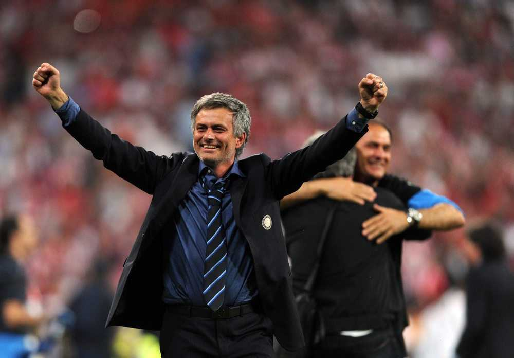 Mourinho dung Martial, cuu roi Fellaini: Dinh cao nghe thuat dung nhan hinh anh 1