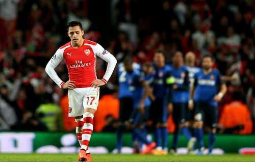 6 lan 'ngang cao dau' roi Champions League cua Arsenal hinh anh 5