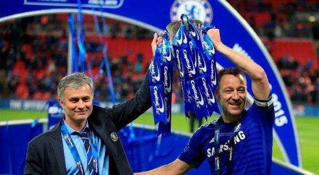 MU vo dich Cup Lien doan: Cu hich vang cho ky nguyen Mourinho hinh anh 1