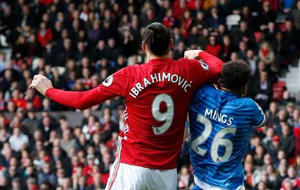 Ibrahimovic phu nhan pham loi, Mourinho tiet lo li do MU da hong phat den hinh anh 2