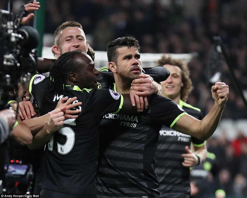 Eden Hazard toa sang, Chelsea thang tien den ngoi vuong hinh anh 2