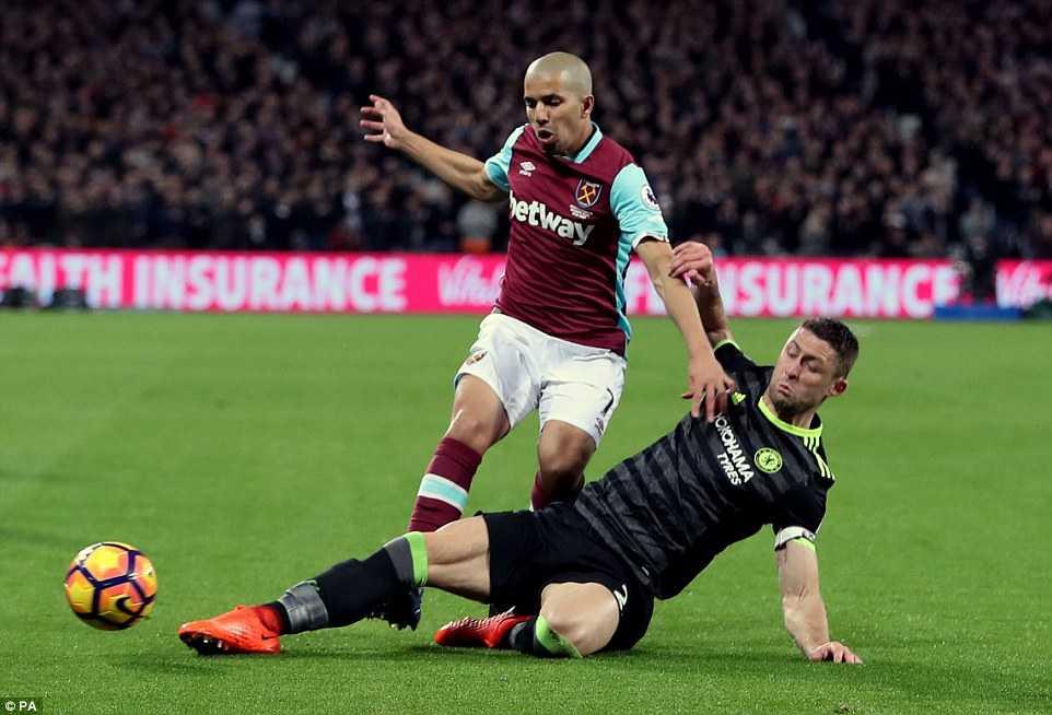 Eden Hazard toa sang, Chelsea thang tien den ngoi vuong hinh anh 1