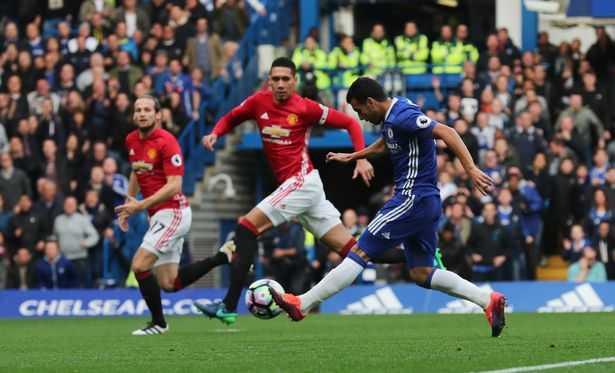 2h45 truc tiep Chelsea vs MU: Mat sach tien dao, MU co thang noi Chelsea? hinh anh 2