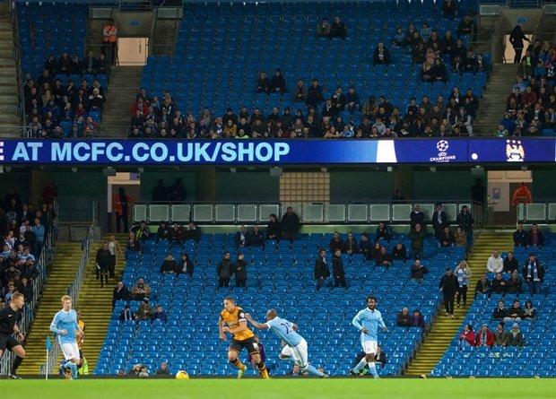 Man City vs MU: MU lap ky luc te hai, Guardiola tren tai Mourinho hinh anh 3