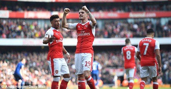 Video ket qua Arsenal vs MU: Thua trang Arsenal, MU gan het co hoi lot vao Top 4 hinh anh 2