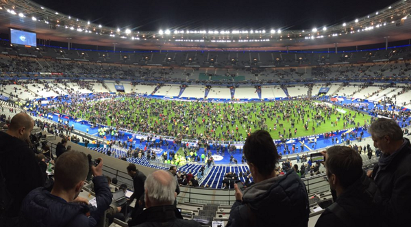 Euro 2016 lo khung bo: Nan nhan ke phut giay kinh hoang ten khung bo kich no qua bom ben canh hinh anh 2