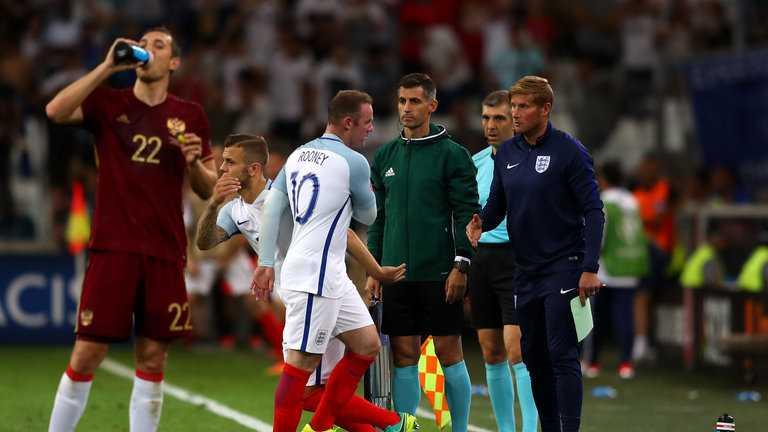 Tin tuc Euro 12/6: Den luot CDV Ba Lan, Bac Ailen choang nhau khong thuong tiec hinh anh 2