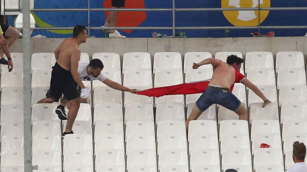 Tin tuc Euro 12/6: Den luot CDV Ba Lan, Bac Ailen choang nhau khong thuong tiec hinh anh 1
