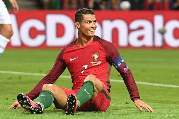 Bo Dao Nha chia diem, Ronaldo cuoi cay dang hinh anh 2