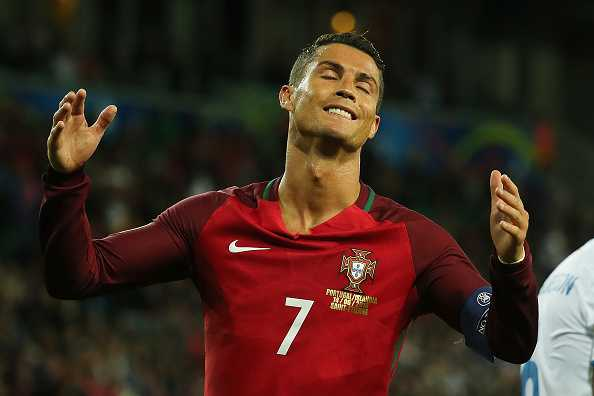Bo Dao Nha chia diem, Ronaldo cuoi cay dang hinh anh 4