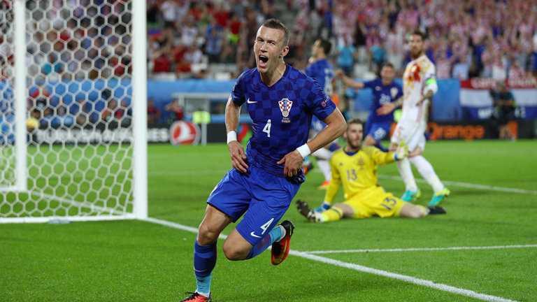 2h 26/6 truc tiep Croatia vs Bo Dao Nha: Ronaldo lai sam vai cuu tinh hinh anh 1