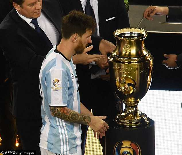 BLV Quang Huy: Messi se tro lai o World Cup 2018 hinh anh 1