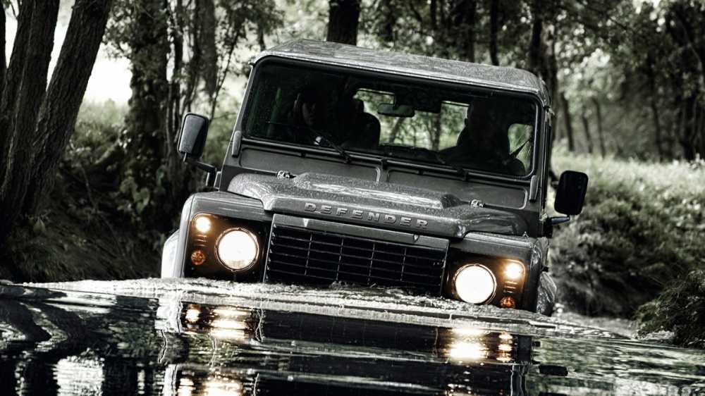 Me Land Rover Defender, ty phu xay dung xuong san xuat rieng hinh anh 2