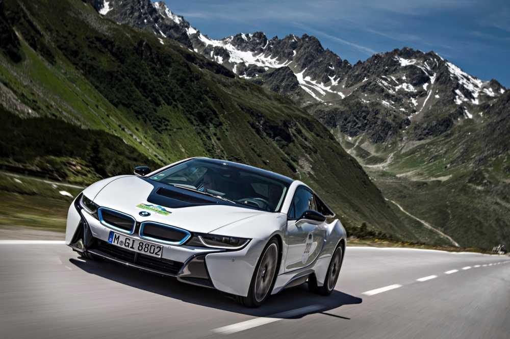 BMW i8 moi cong suat 750 ma luc, vuot xa Lamborghini Aventador hinh anh 3