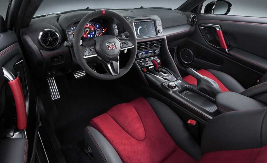 Sieu xe Nissan GT-R Nismo 2017 cong bo muc gia hinh anh 2