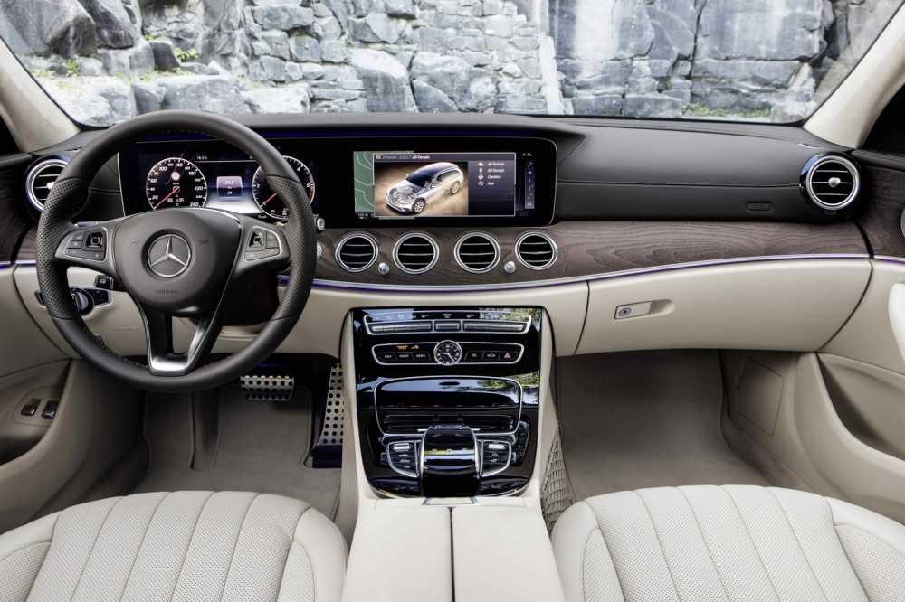 Soi Mercedes E-Class All-Terrain 2017 dep an tuong gia chi tu 62.300 USD hinh anh 3